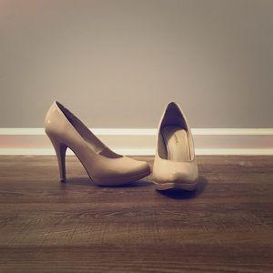 Nude Heels size 6.5
